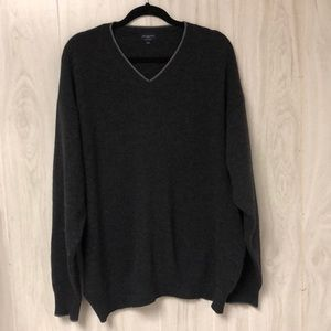 Men's Burberry sweater